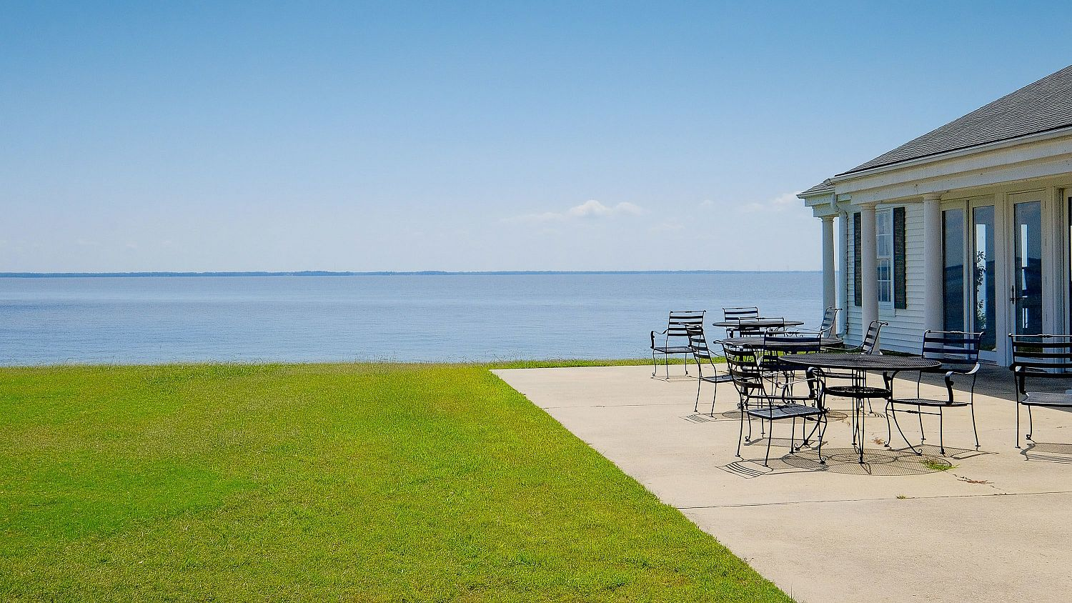 The clubhouse at the Links at Mulberry Hill with the Albemarle Sound view